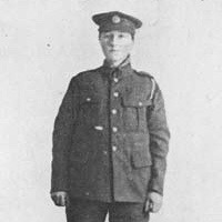 Picture of Dorothy Lawrence in her WW1 soldier's uniform