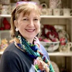 Picture of Susi in her shop Casa FIna