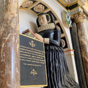 Elihonor's memorial in Salisbury cathedral